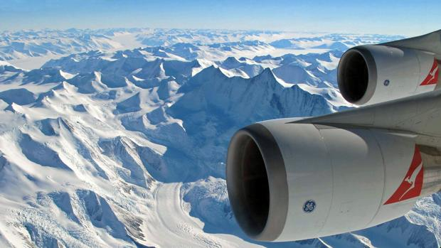 Antarctica Flight kVgH
